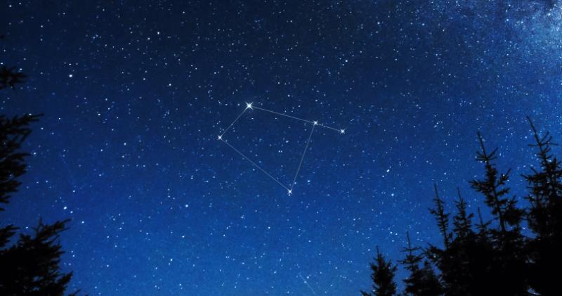 constelacion corvus